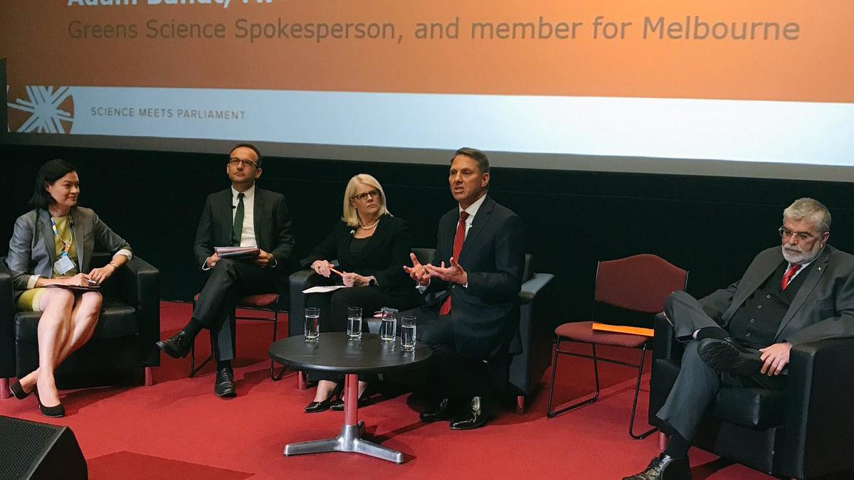 SmP Parliamentary Panel